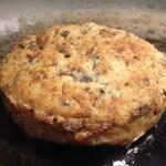 Vleesvervanger getest: champignonburger met geitenkaas, honing, walnoten en tijm