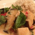 Rode curry met tofu en aubergine