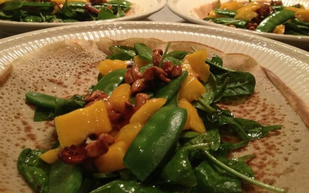 Boekweitwrap met mango, cashews en spinazie
