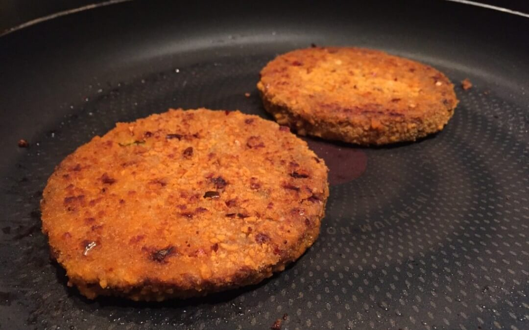 Vleesvervanger getest: spicy bean burger Vivera