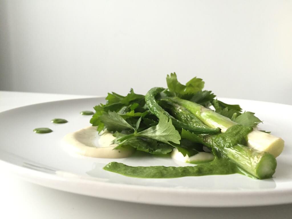 Kerstmenu: kruidensalade met crème van schorseneer en groene groenten