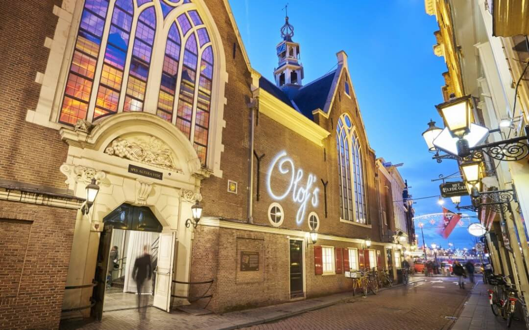 NEW: Roomservice at Olof's