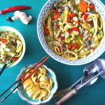 Noedelsoep met paddenstoelen, Chinese kool en omelet reepjes