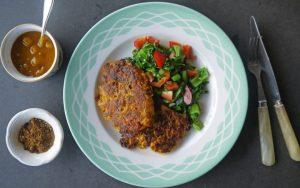 8-koolraap-pannenkoekjes-met-roerbak-groenten-en-mangochutney-1080x675