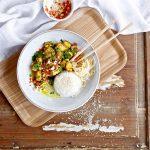 Gele kokoscurry met quorn en jasmijn rijst