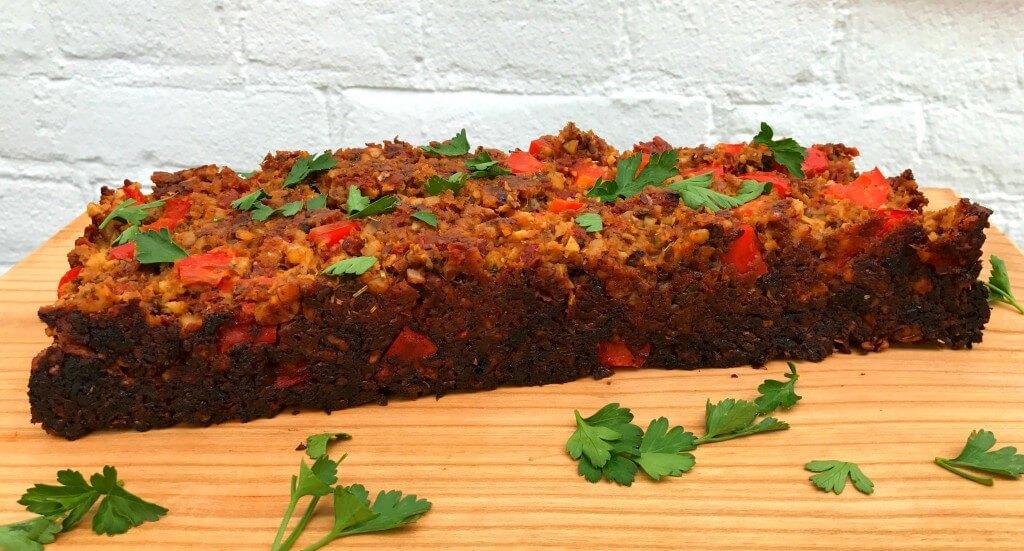 Vegan gehaktbrood met tomaat en seitan