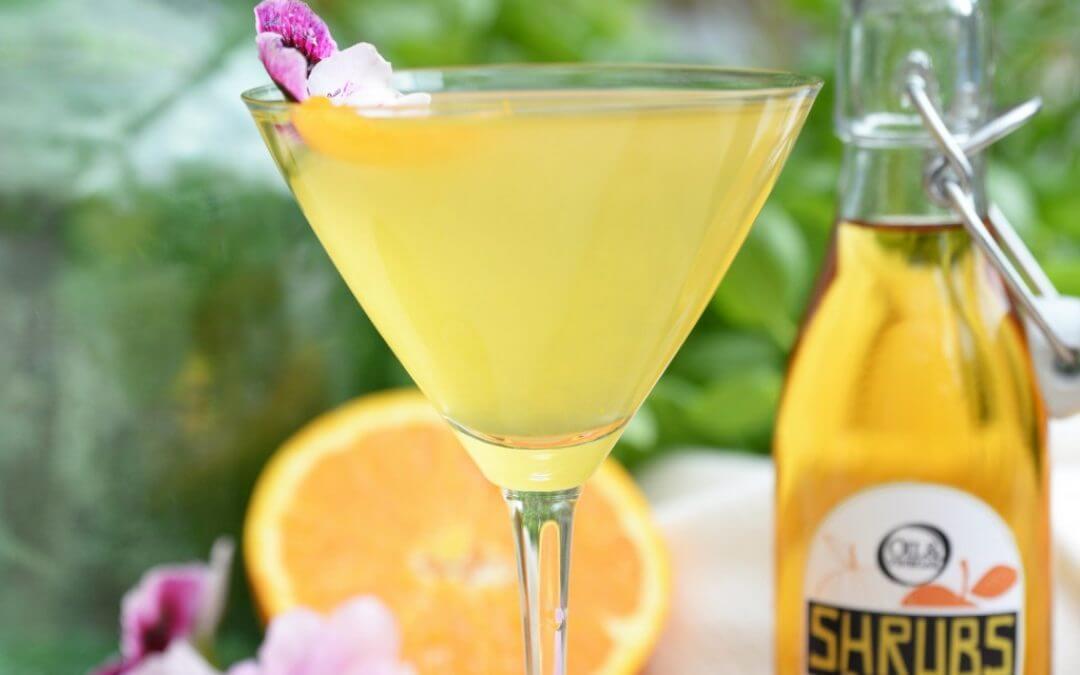 Shrub met wodka, kokoswater, passievruchtazijn en ananassiroop