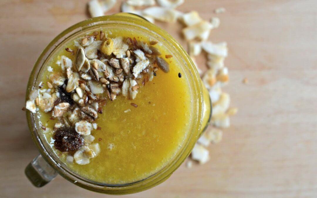 Zomerse smoothie bowl: Kokos met kurkuma