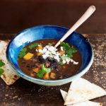 Spicy black bean soep met feta