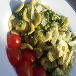 Snelle pasta: doperwt-basilicumsaus