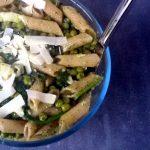 Snelle pasta: munt en amandelpesto