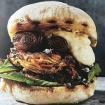 Groene Burgers: vega burger van courgette & zoete aardappel