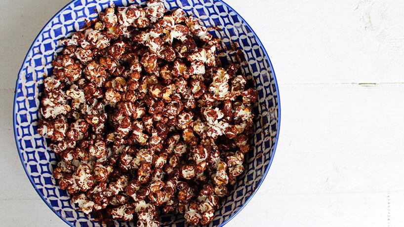 Vega borrel in 15 min: chocolade zeezout popcorn + WIN