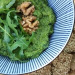 Vega borrel in 15 min: walnoten-rucola pesto