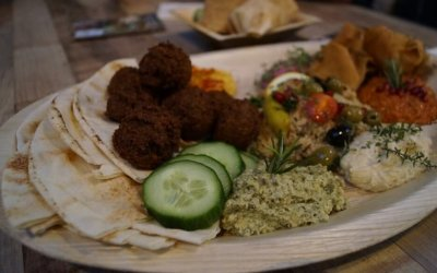 Foodhallen tip: Maza & Gin Tonics