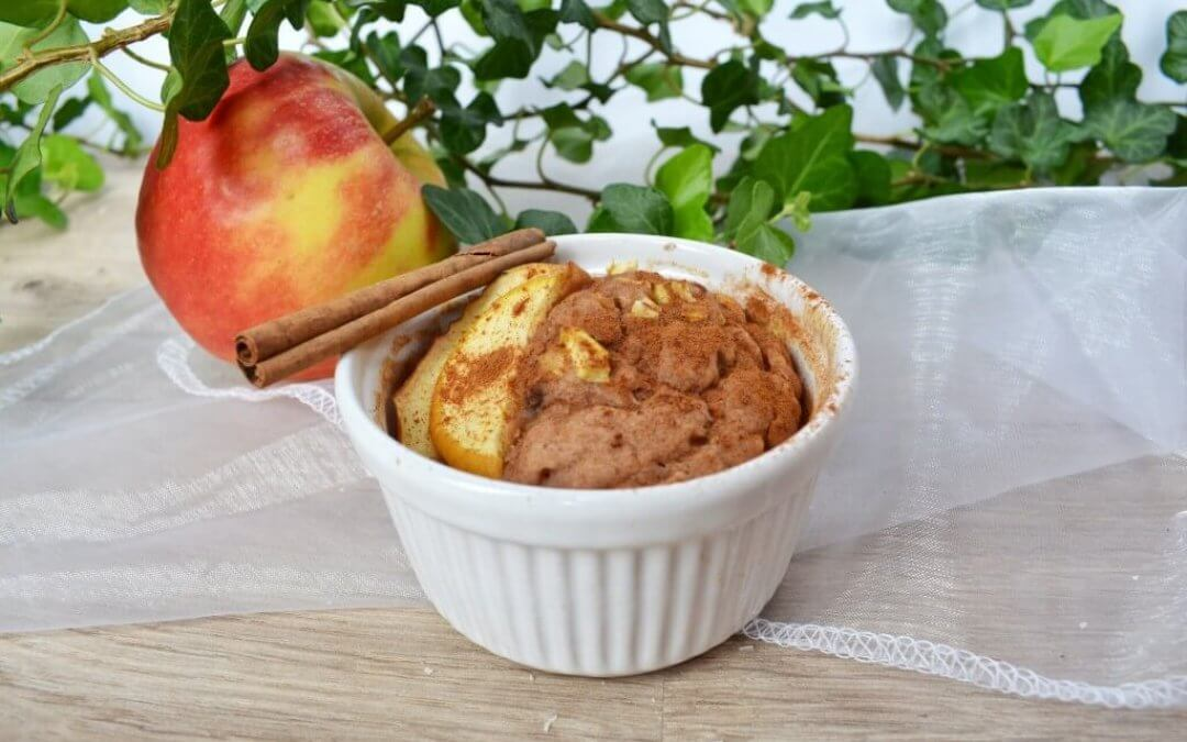 TRENDING: Vegan appel-kaneel mug cake