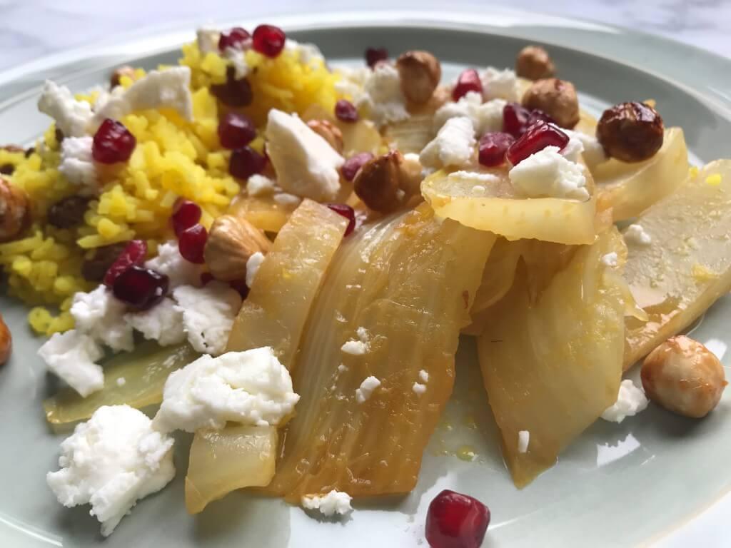 VEGGIE in 20 minuten: gestoofde venkel met hazelnoten, granaatappel en gele rijst