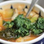 Greendelicious: Moestuinsoep met peterseliepesto