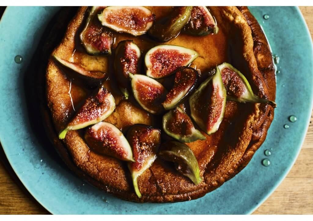 Perzische Keuken: Yoghurtcake met gepocheerde vijgen