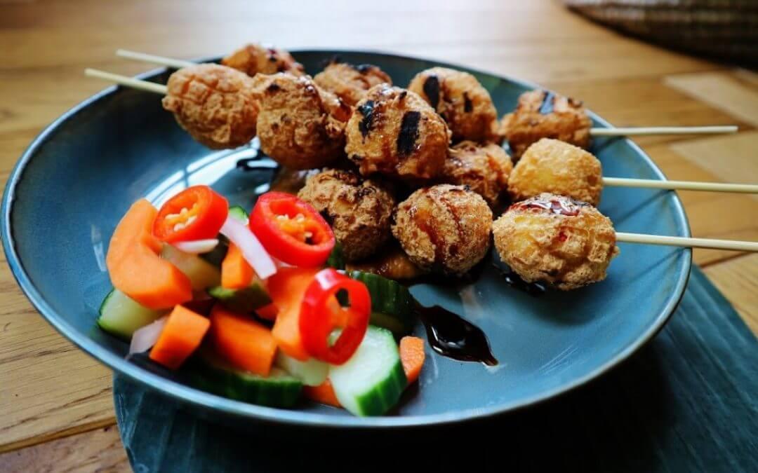 Indonesische keuken: vegetarische sate tahu ponorogo