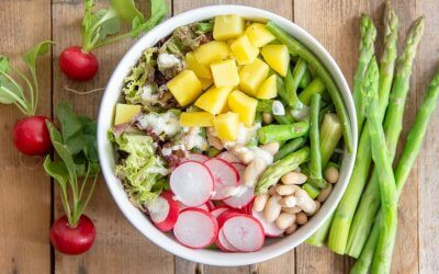Asperge-aardappel salade met sperziebonen en radijsjes