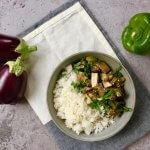 Thaise rode curry met paprika en aubergine