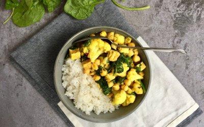 Thaise gele curry met bloemkool en spinazie