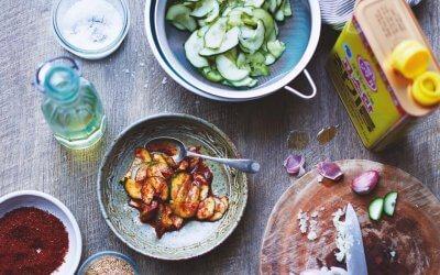 De Koreaanse Keuken: snelle komkommer kimchi