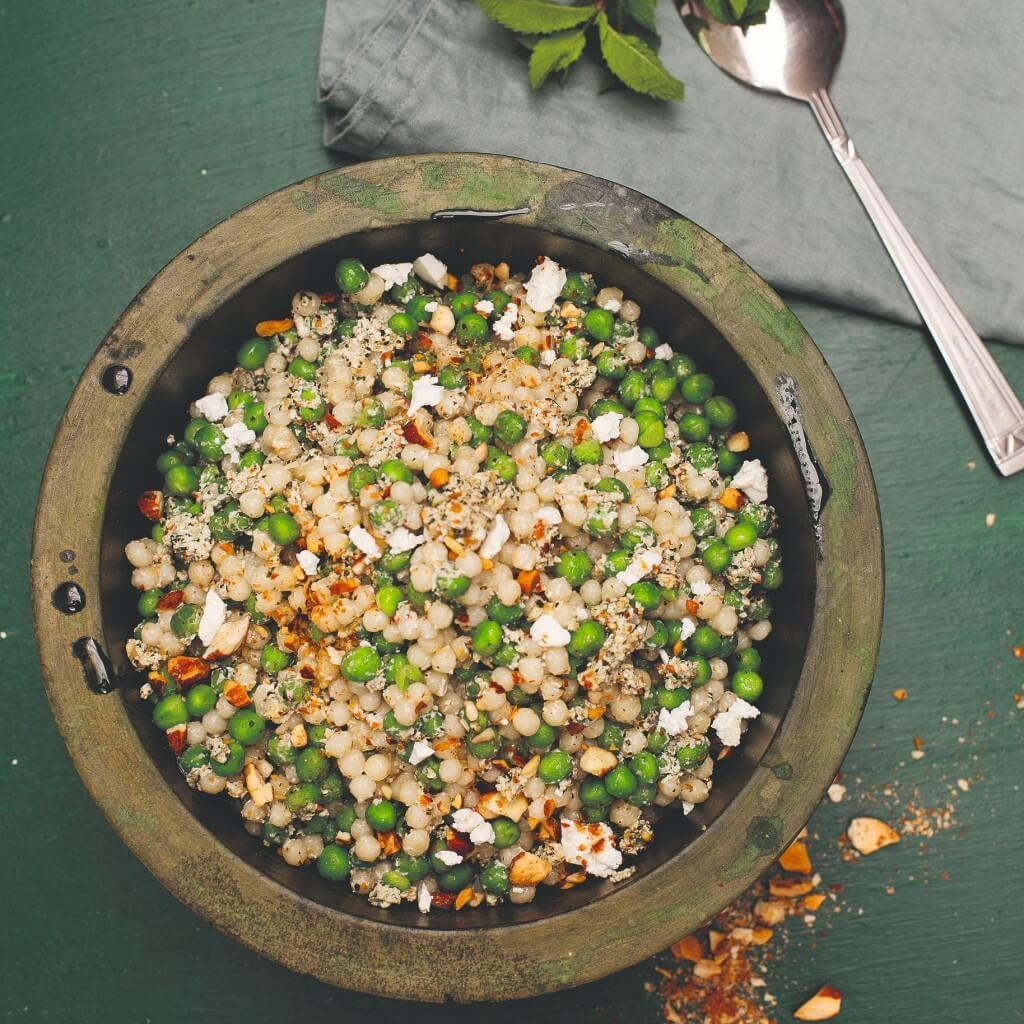 Couscous: parelcouscoussalade met doperwten en muntpesto