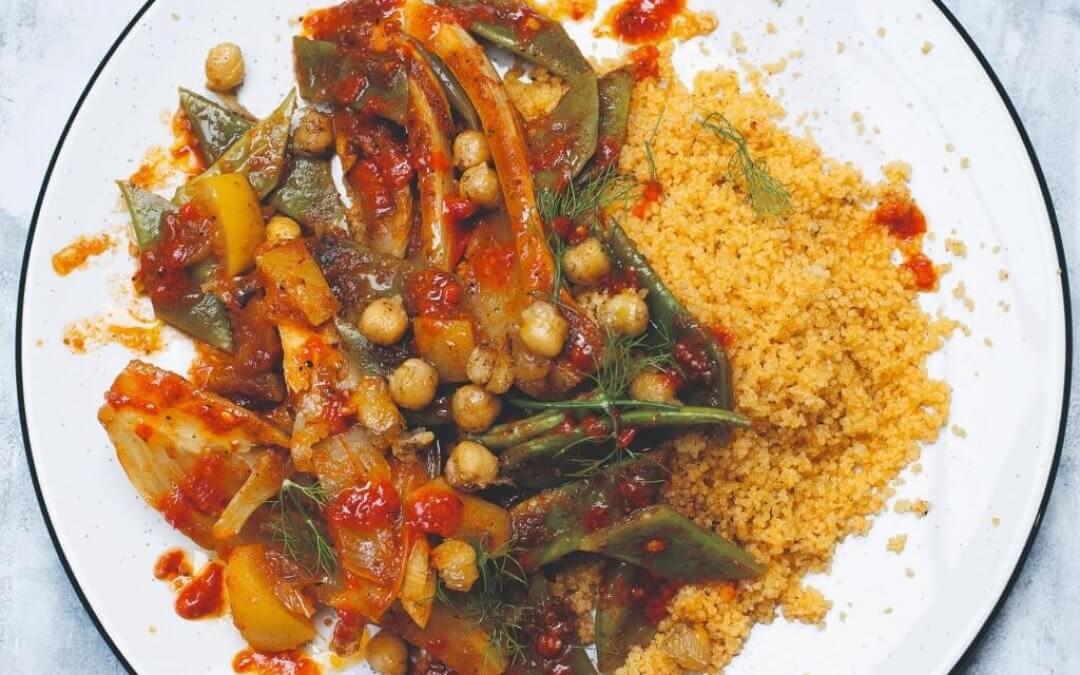 Couscous: harissacouscous met venkel, snijbonen en knapperige tabl-kikkererwten