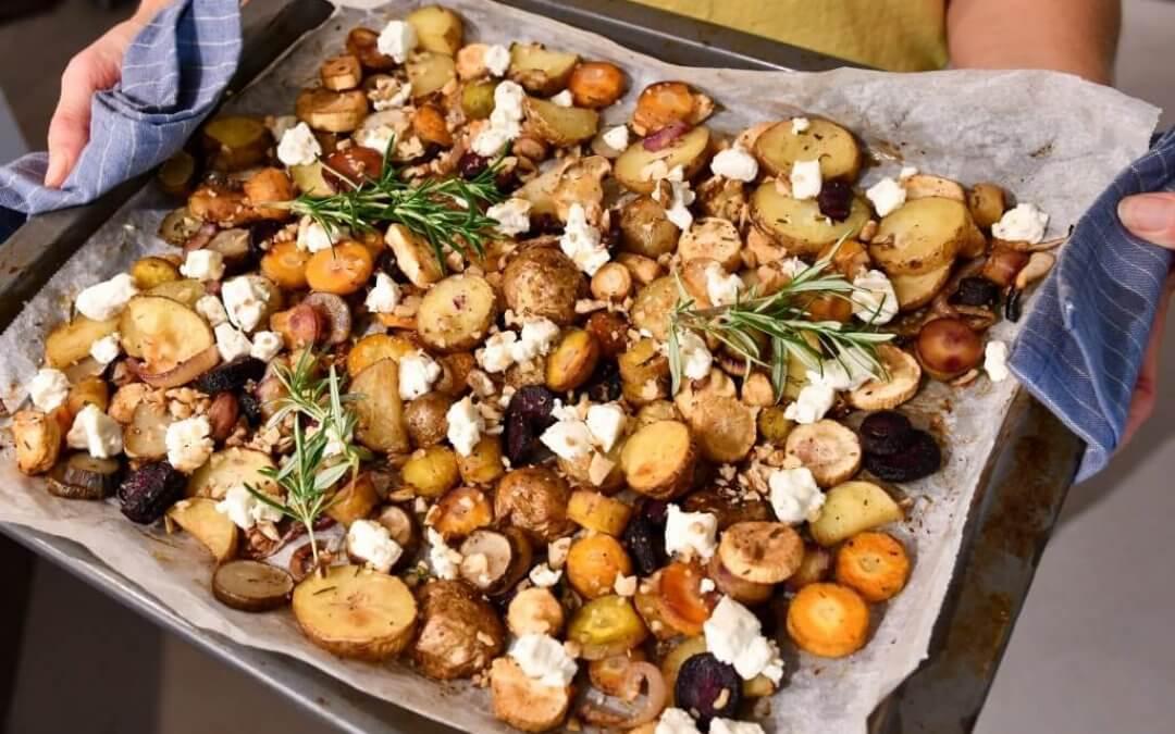 Geroosterde aardappel-groenteplaat