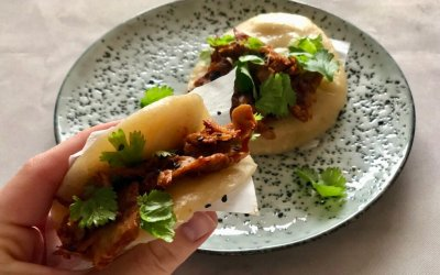 DIY TREND: bao burger met gemarineerde plantaardige kipstukjes