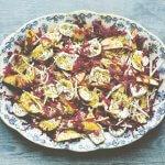 Time: salade van zuurkool, appel & knolselderij met chiazaad en geitenkaas