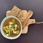 Oer-Hollandse groentesoep met zelfgemaakte vegaballetjes
