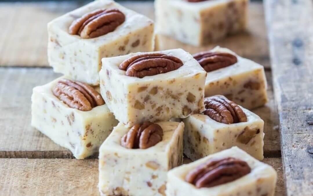 Sinner Saturday: Pecan Fudge met pecannoten en kokosrasp