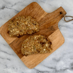 Vleesvervanger getest: AH granola vijg-geitenkaas schnitzel