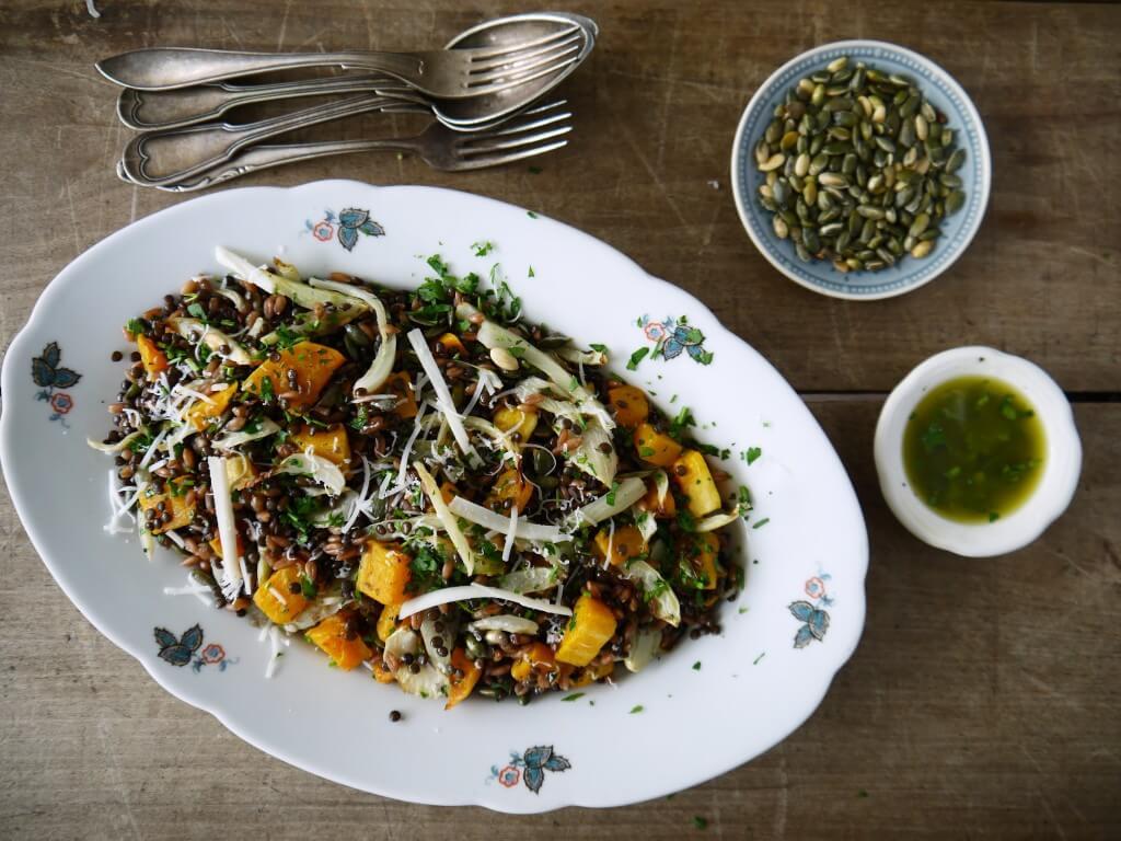 Speltsalade met venkel, pompoen, belugalinzen en geitenkaas