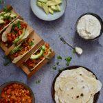 Taco's met Mexicaanse zoete aardappelvulling en cashewcreme