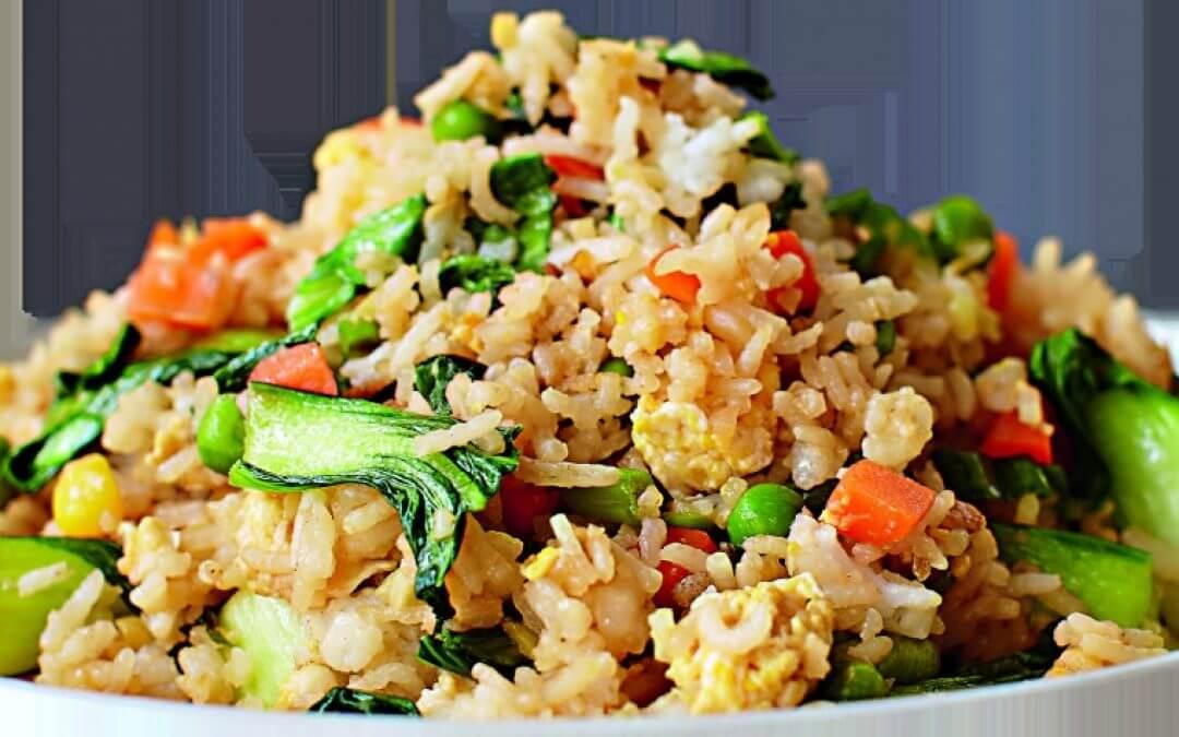 De Maleisische Keuken: gebakken rijst met groente en ei