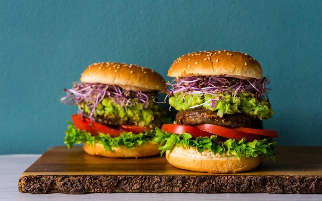 Vegan Monday: portobello burgers met guacamole