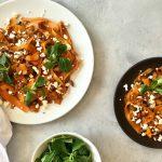Vega Budget: Geglaceerde wortelsalade met feta en amandelen
