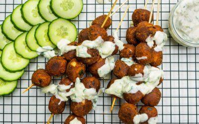 Vegan Monday: zwarte bonen spiesjes met tzatziki