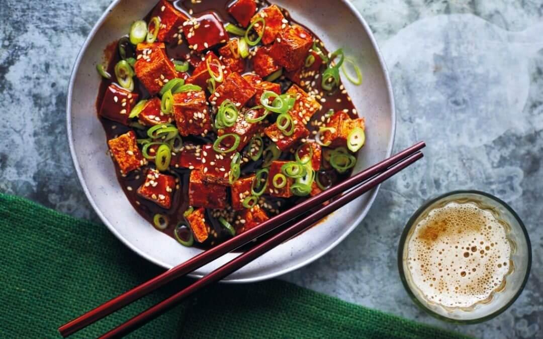 De Chinese keuken: krokante tofu in pittige zure saus