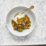Barbecue: curry van gegrilde aubergine met jasmijnrijst
