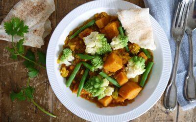 Indiase curry met zoete aardappel, romanesco en zoete aardappel