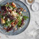 Barbecue: salade met gepofte biet, appel en paneer