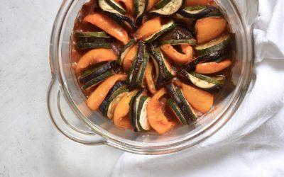 Oranje paprika ratatouille met pittige tomatensaus