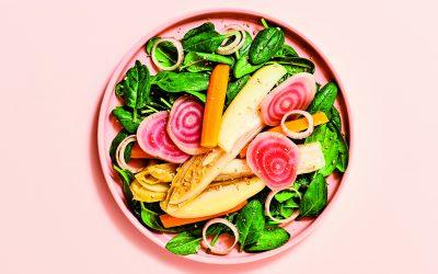 7 minuten in de keuken – Veggie: groenten op een bedje van spinazie