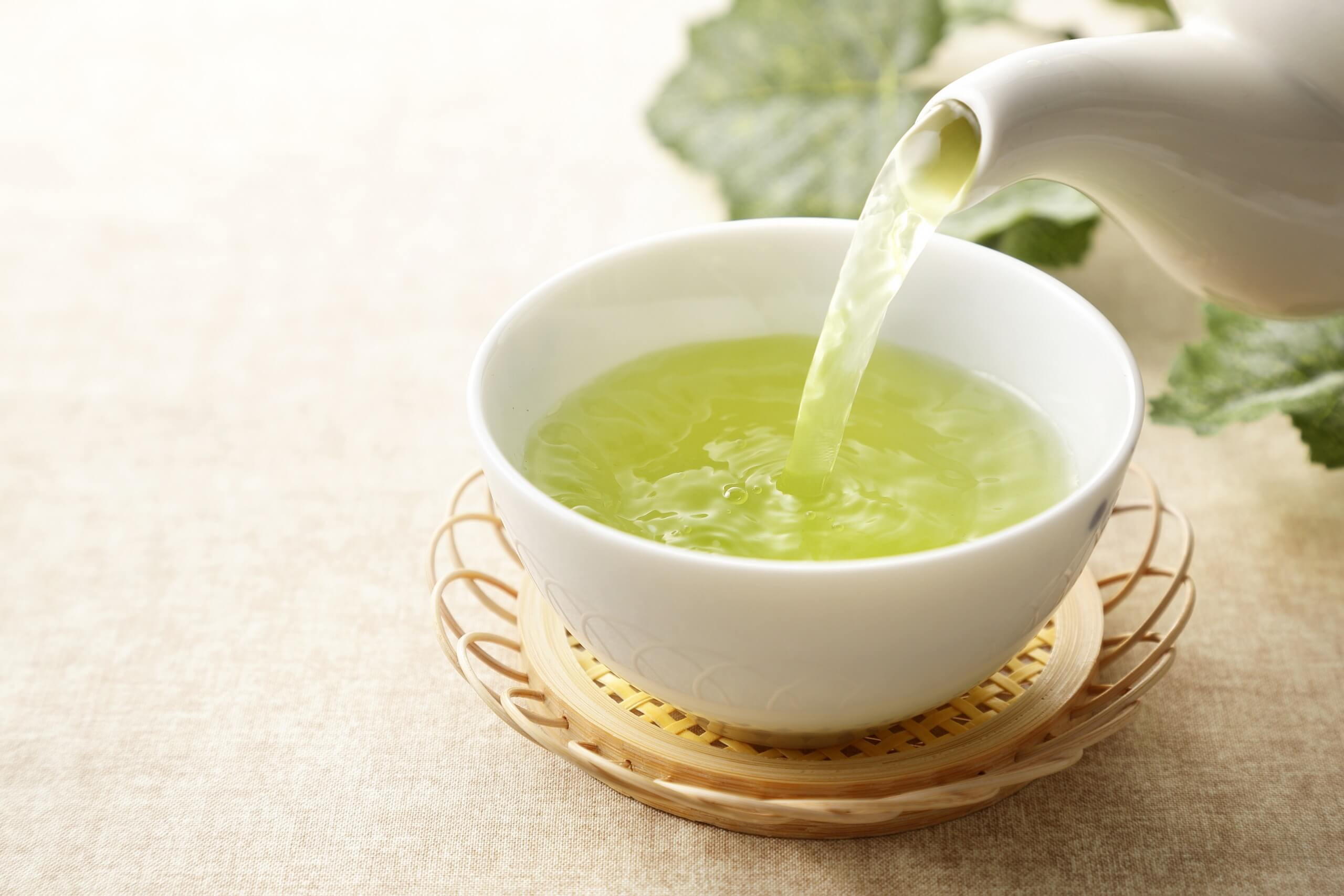 8 belangrijke gezondheidsvoordelen van groene thee