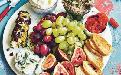 Vegan party: het ultieme 'kaas'plankje